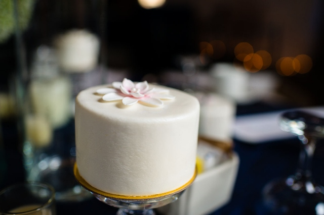 Individual Miniature Wedding Cakes via Leslie Reese