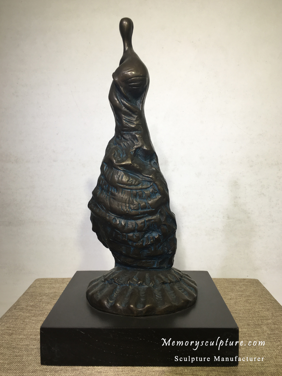 Silence Woman - This 50cm height abstract bronze statue with antique patina finish can be used for home, hotel and office decoration.