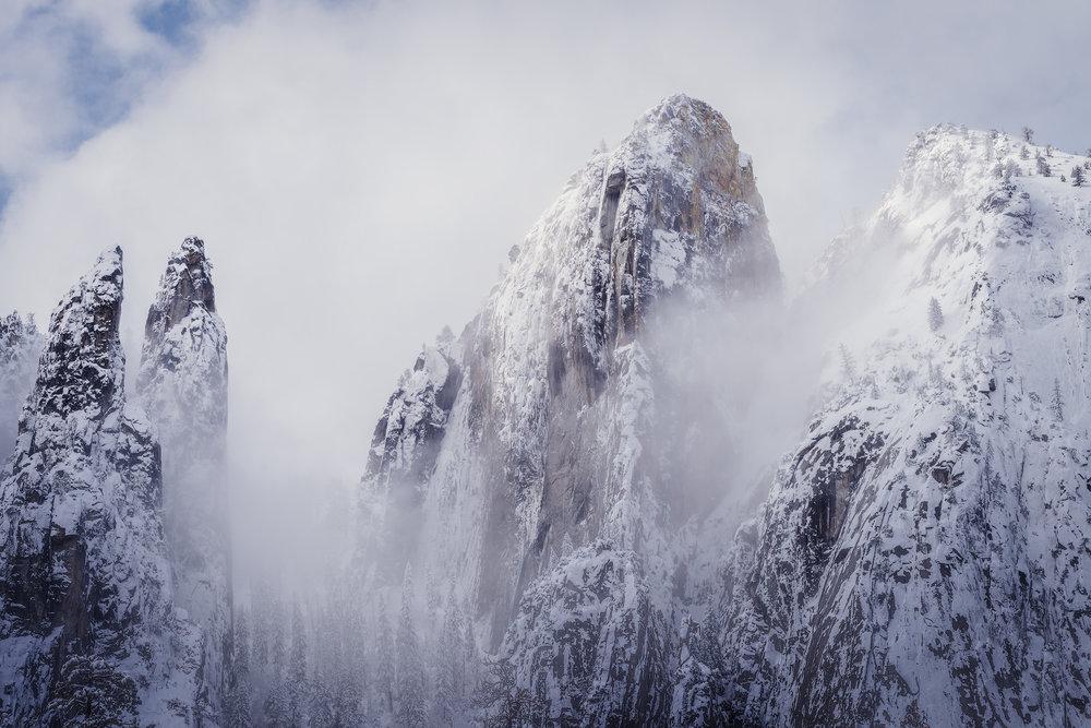YosemitePeaks2.jpg