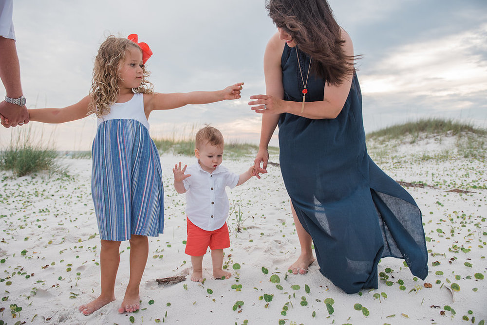 mom and kids with shells-Pensacola photographer