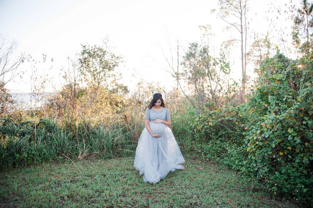 women in woods pregnant-pensacola maternity photographer