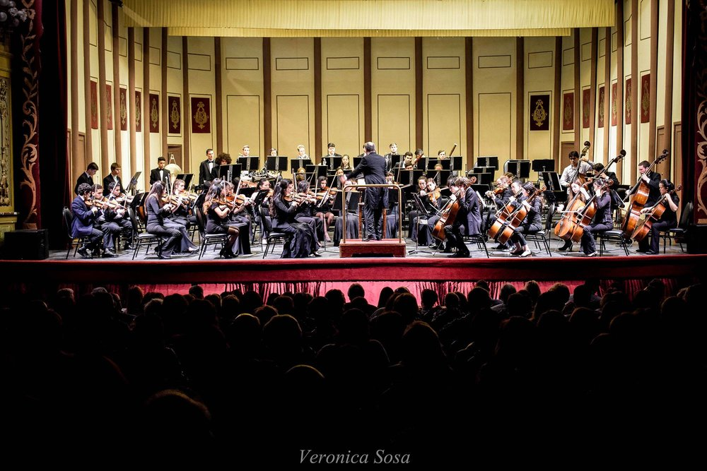 A shot of the orchestra performing in Cordoba