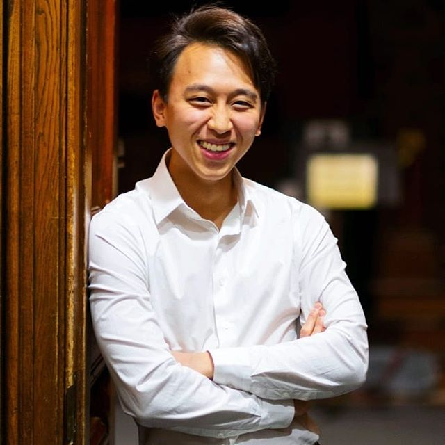 Meet one of our two student conductors for this upcoming concert (in less than two weeks!). Gordon Ma is a Senior living in Mather House, pursuing a concentration in Applied Mathematics with a secondary in Music. Before joining the Harvard-Radcliffe Orchestra, Gordon served as Assistant Conductor for the Hasty Pudding Theatricals and the Bach Society Orchestra. He has also been involved as a violinist in other ensembles on campus. Gordon enjoys hiking, cooking, and traveling to new countries.  Come see Gordon conduct the orchestra on March 2nd at 8PM! Tickets in bio . . . #selloutsanders2019 #haydnsymphony #drumroll