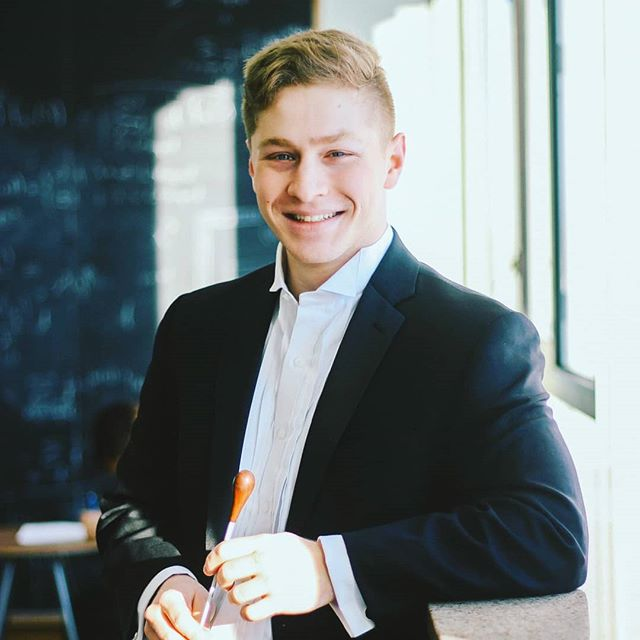 Meet our second (but no less important) student conductor for the upcoming concert!  Reuben Stern is a Junior living in Dunster house. He is pursuing a concentration in Mathematics, with a secondary in Music. As a bassoonist, this is his fourth season playing with the Harvard-Radcliffe Orchestra; it is also his second season serving as student conductor. In addition to HRO, Reuben is the music director of the Bach Society Orchestra. Reuben likes calligraphy, powerlifting, and collecting funky socks.  Come watch Reuben conduct HRO on March 2nd at 8PM Tickets in bio . . . #selloutsanders2019 #sibelius #cmajor #seriouslicks