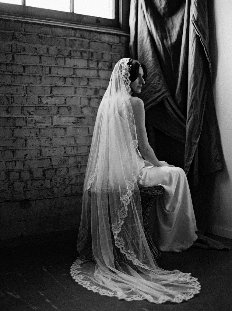 Melinda Rose_Chantilly Lace Veil.jpg