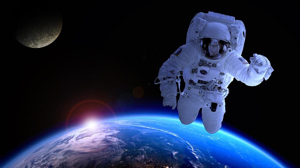 astronaut-1849402_960_720.jpg