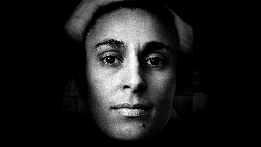 Precis som andra romska barn fick inte Katarina gå i skola. Hon lärde sig läsa och skriva ordentligt först när hon var 26 år gammal. Foto: Björn Langhammer