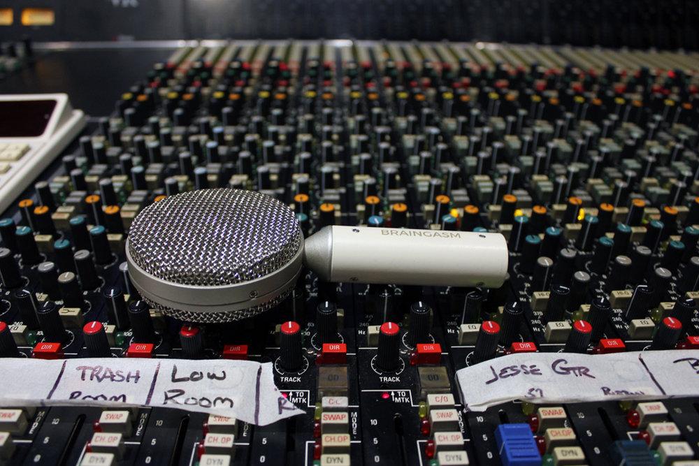Braingasm_Microphones_Microfono_Nastro_Joe_Chiccarelli