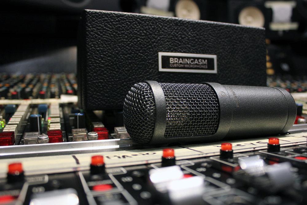 Braingasm_Microphones_47_Microfono_Joe-_Chiccarelli.jpg