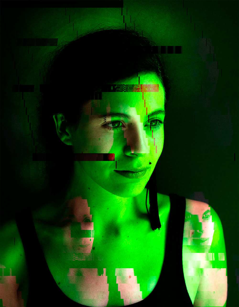 KELLY-GLITCH-VIDEO-11.jpg