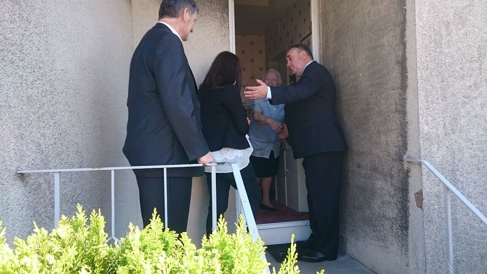 Door knocking with Julie Ford and Peter Grant MP