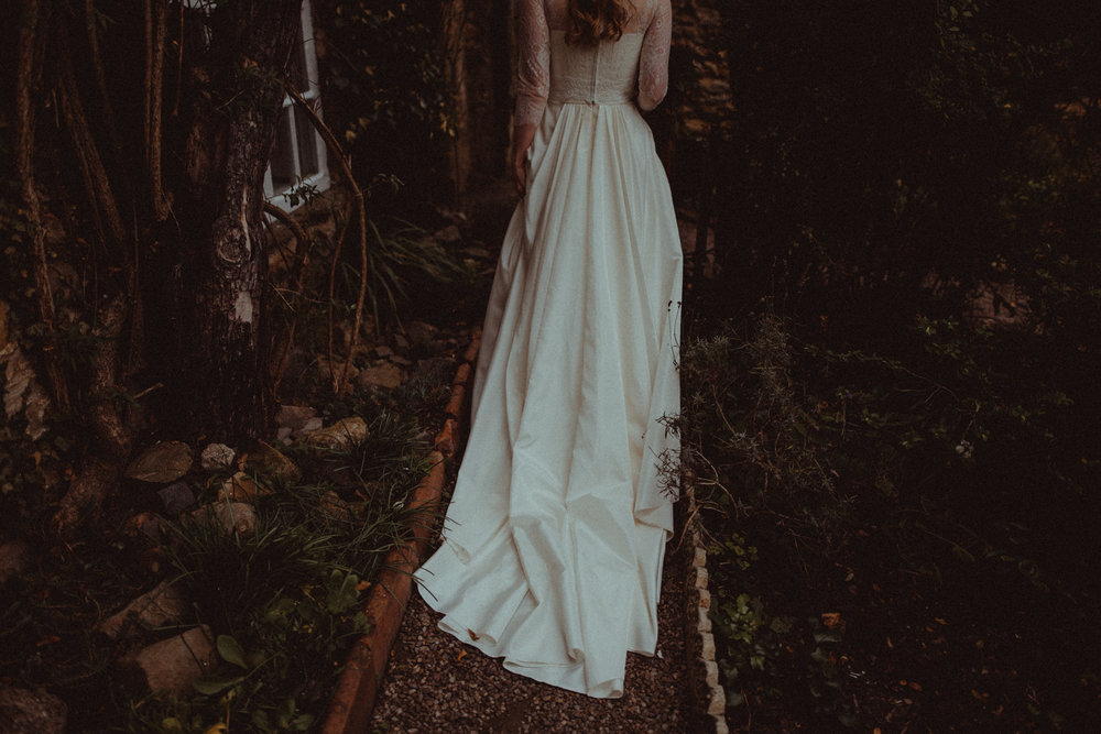 are you looking for a photographer for your  boho wedding in leeds?