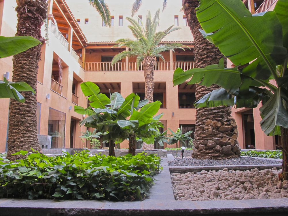 AELAND - sanblas hotel patio.jpg