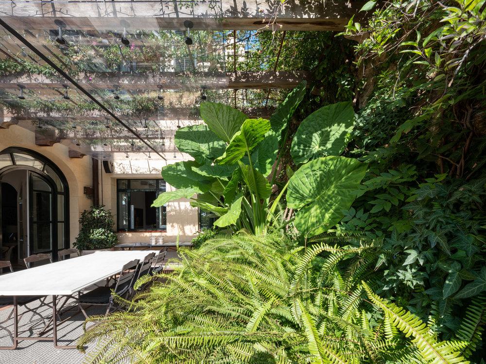Aeland-garden-house-02.jpg