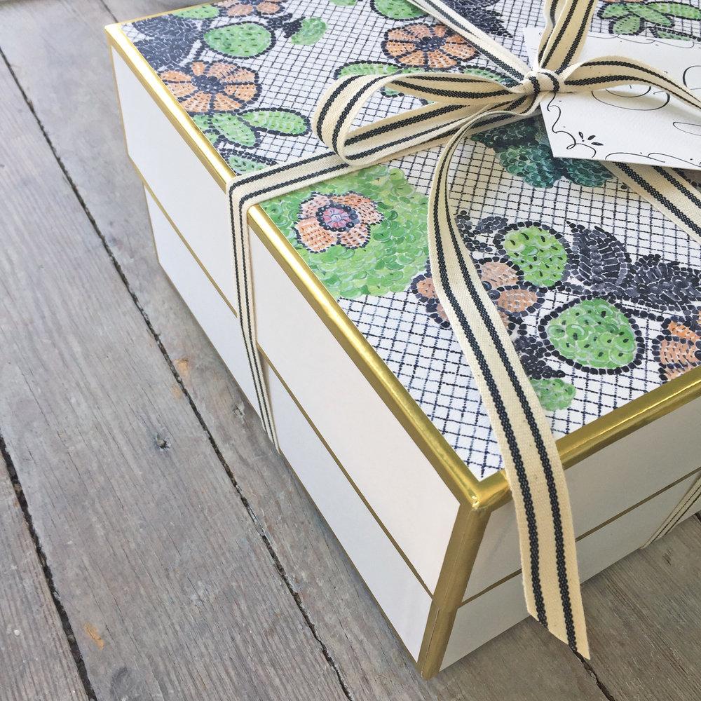 symphony gift box