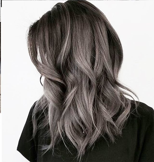 Dusty greys for winter days⠀⠀⠀⠀⠀⠀⠀⠀⠀ .⠀⠀⠀⠀⠀⠀⠀⠀⠀ .⠀⠀⠀⠀⠀⠀⠀⠀⠀ .⠀⠀⠀⠀⠀⠀⠀⠀⠀ #haircolor #hairdye #curls #wintergrey #riccardomaggioresalon
