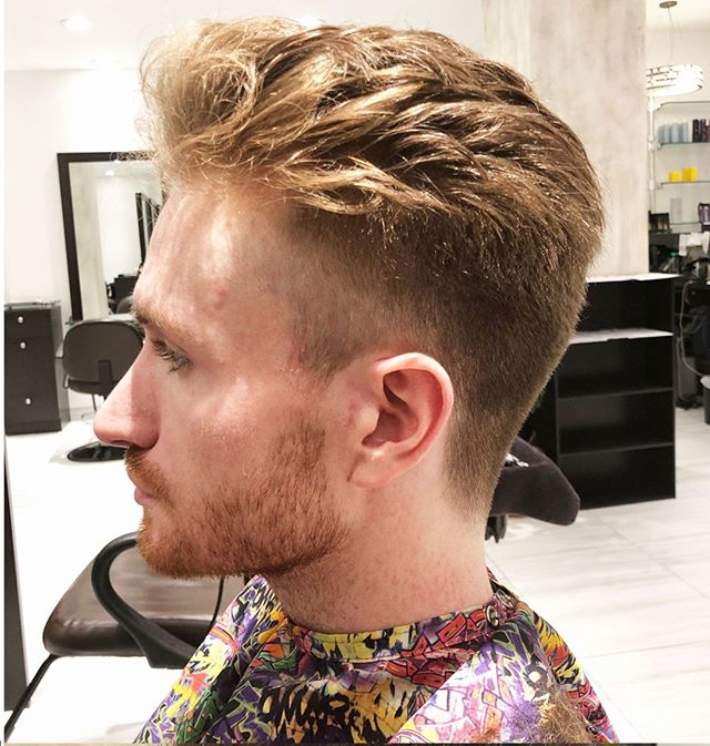 Looking handsome after a fresh cut by Dinah at our Midtown location⠀⠀⠀⠀⠀⠀⠀⠀⠀ .⠀⠀⠀⠀⠀⠀⠀⠀⠀ .⠀⠀⠀⠀⠀⠀⠀⠀⠀ .⠀⠀⠀⠀⠀⠀⠀⠀⠀ #hairdressing #menshaircut #fadehaircut #riccardomaggioresalon
