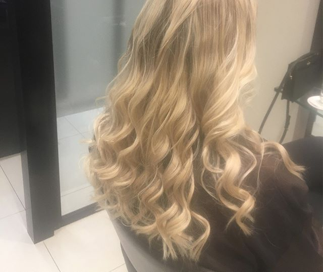 Great extensions by Rachel and Color by Marcus at Flatiron⠀⠀⠀⠀⠀⠀⠀⠀⠀ .⠀⠀⠀⠀⠀⠀⠀⠀⠀ .⠀⠀⠀⠀⠀⠀⠀⠀⠀ .⠀⠀⠀⠀⠀⠀⠀⠀⠀ #newhair #salonhair #extensions #riccardomaggioresalon