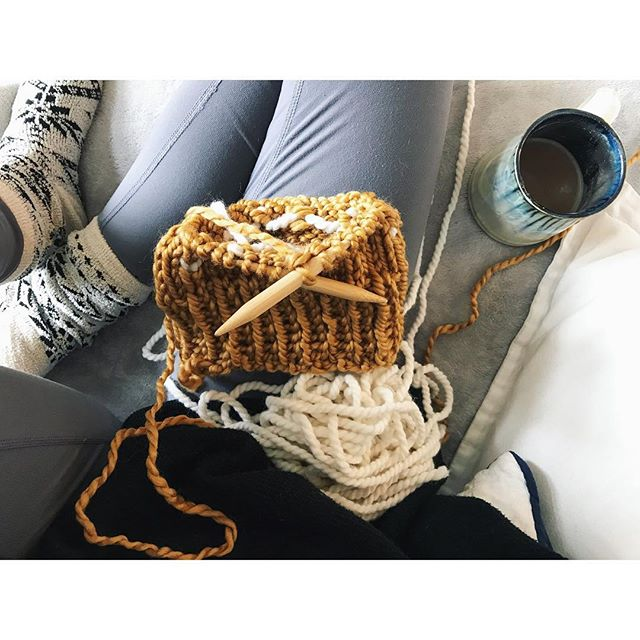 These dreary mornings are ideal for getting projects done ✌🏽❤️ . . . #threesistersupply #chunkyknits #pompomhat #lovehandmade #locallove #shopsmall #winteriscoming #staywarm #handknit #comfy #cozy #peaceandlove