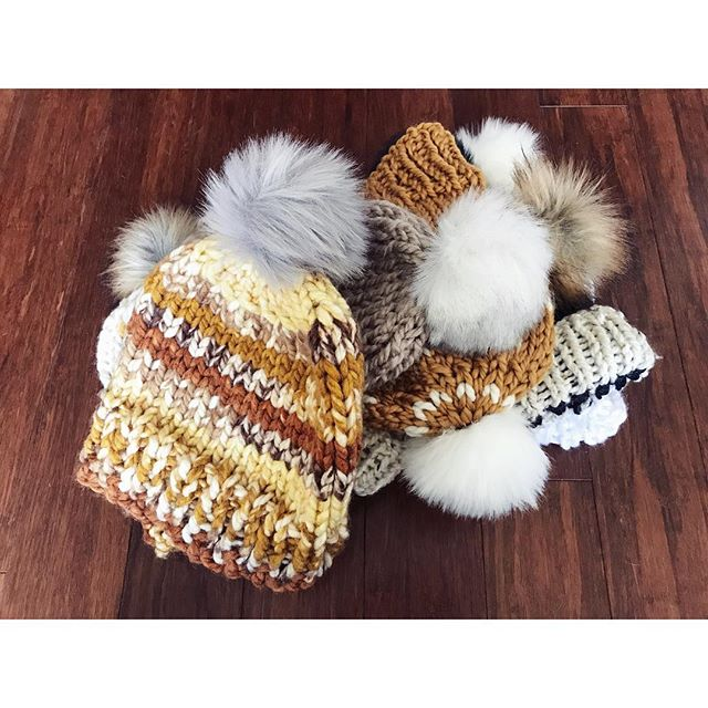 Almost done, just waiting for labels! ❄️ . . . #threesistersupply #moonandtide #chunkyknits #lovehandmade #pompomhat #fauxfurpom #winterfashion #cozychic #handknit #knitknitknit #locallove #shopsmall #holidaygifts