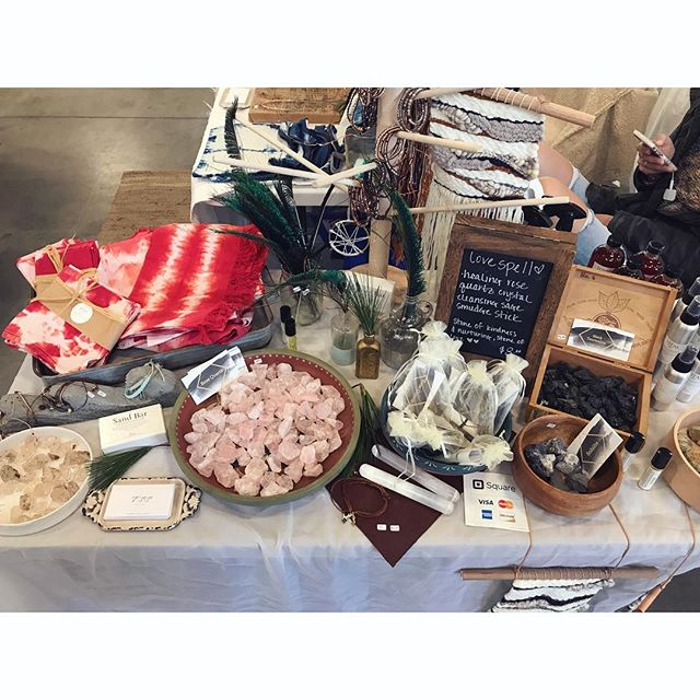 Were here @vintagebazaarnewengland at Thompson's Point 10am to 4pm! So many amazing vendors this year! It is a beautiful day in Portland, come out, do a little shopping, have a little sushi from @mr.tuna_maine 👌🏽❤️ . . . #threesistersupply #ontheroad #locallove #lovehandmade #shopsmall #healingcrystals #lovespell #indigo #handknits #chunkyknits #fauxfurpompom #hoodies #flannelscarves #skincare #handdyedlinen #shibori #peaceandlove
