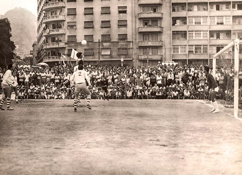 Heróis do Capri comemoram o título de 66, contra o Vilarinho, da Álvaro Ramos, de Botafogo