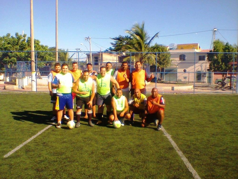 Colete Verde - Wandinho, Elias, Thiagão e Wesley; Rodrigo e Juninho. Colete Amarelo - Ralph, Wagner e Jean; Marquinhos, Gegê e Robinho.