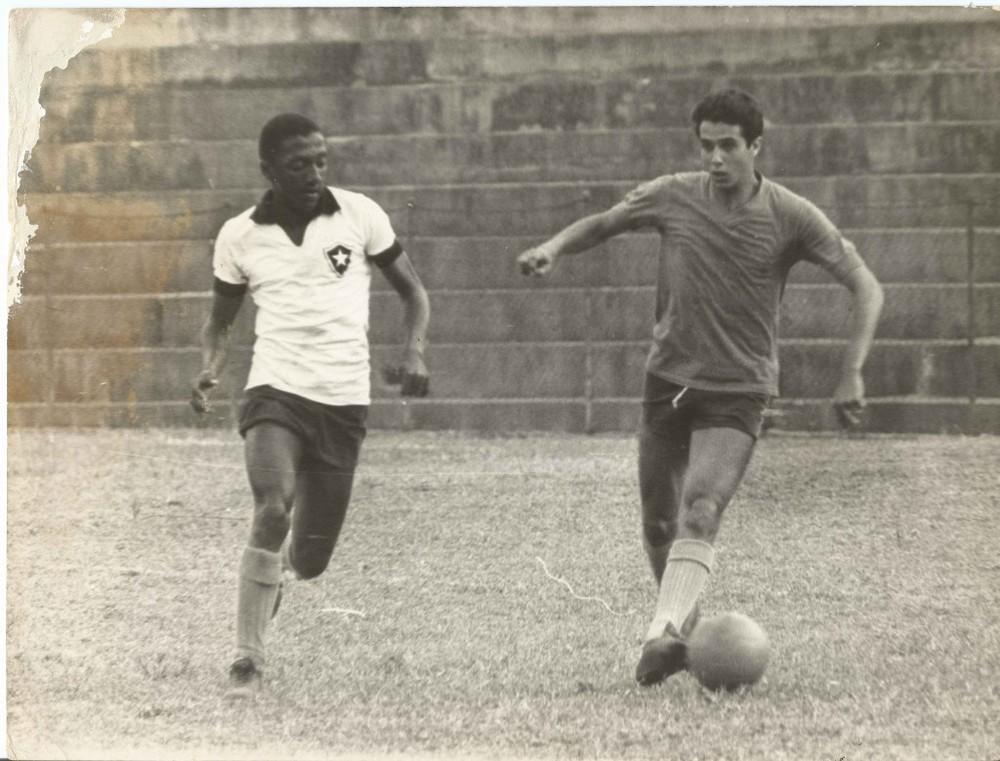 Caju e Afonsinho mantêm um vínculo de meio século que nasceu dentro de campo, no Botafogo [acervo pessoal]