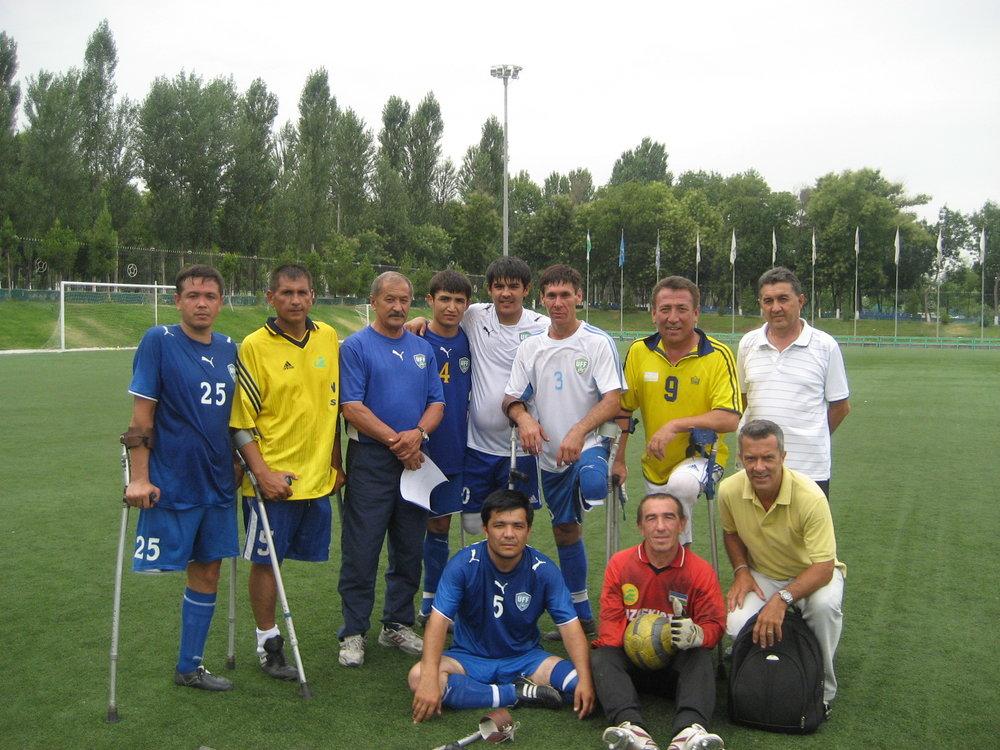 Sérgio Sapo tietou o grupo de atletas amputados