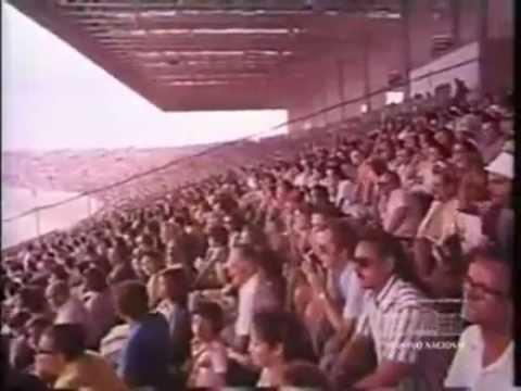 Torcida lotou o estádio na inauguração