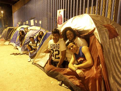 Fãs acampam para o show de Justin Bieber