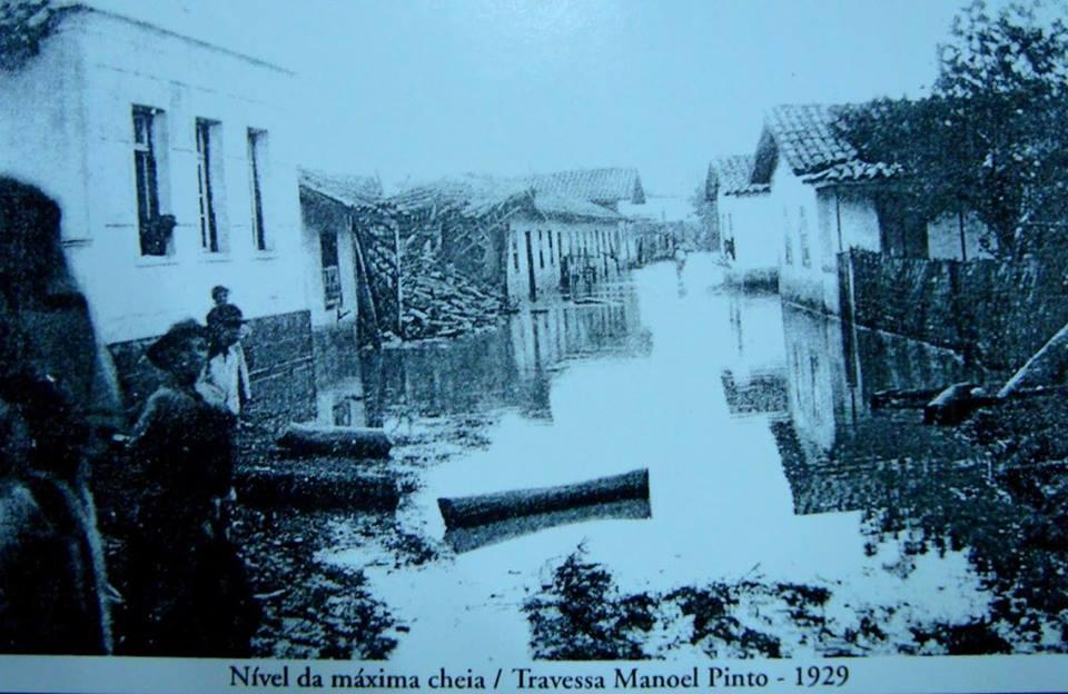 Chuva causou estragos na região