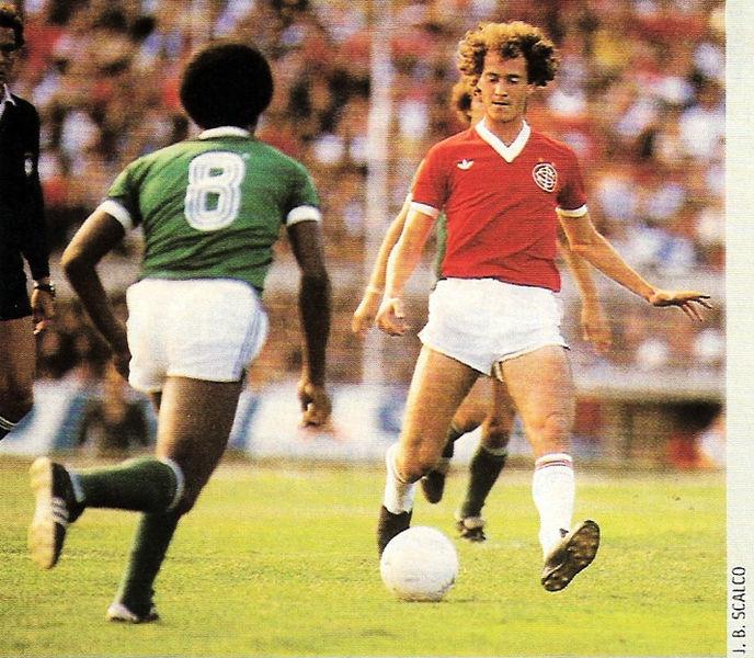 O Palmeiras de Telê era a sensação do campeonato naquele momento 923b49c633c9f