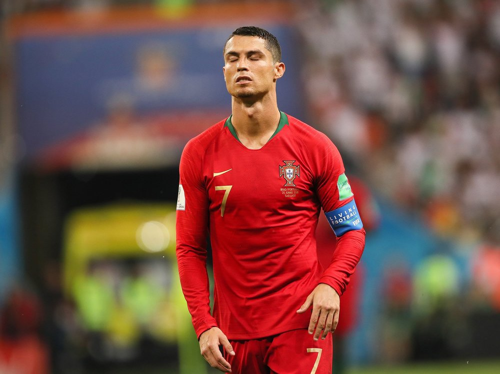 Os moradores de Funchal jamais imaginariam que a cidade onde Cristiano  Ronaldo dos Santos Aveiro nasceu 97745d19c5f83