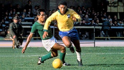 f7bc48145ffc6 Treinar num clube grande como o Botafogo não era para qualquer um. Quando o  viram chegando pela primeira vez em General Severiano