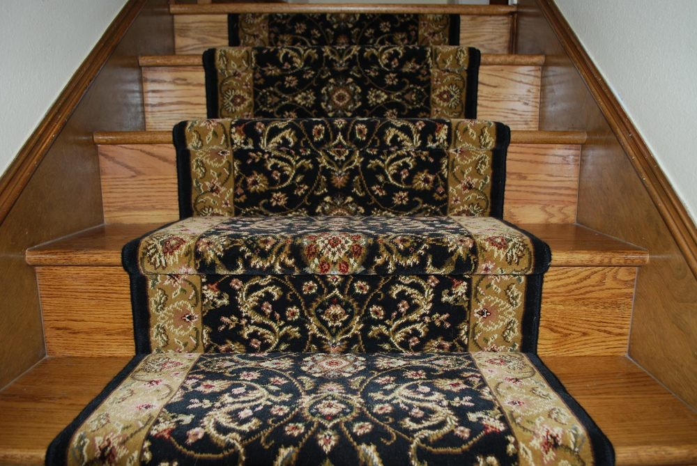 carpet stairs 2.jpg
