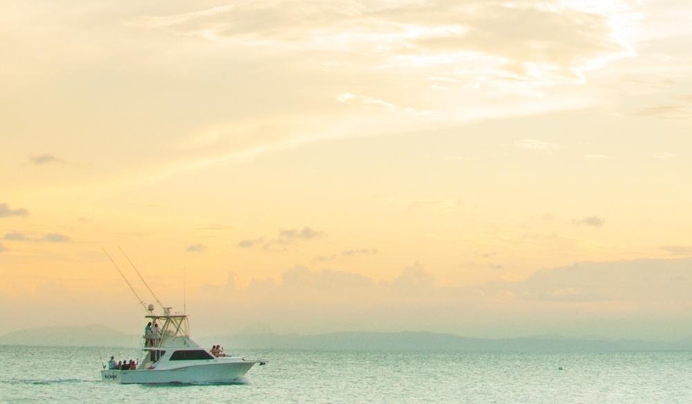 Belize fishing scuba charters deep blue for Deep sea fishing belize