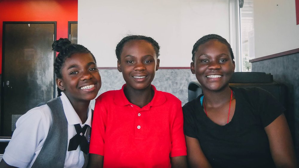 From left to right: I'Ivryanna, A'Avryanna, R'Reanna