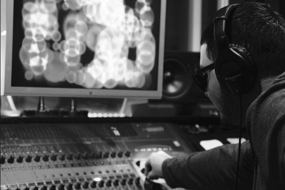 MikeyOnTheWay Can Produce - Hip-Hop/ Rap / R&B / Pop / Latin / Rock / Electronic / EDM