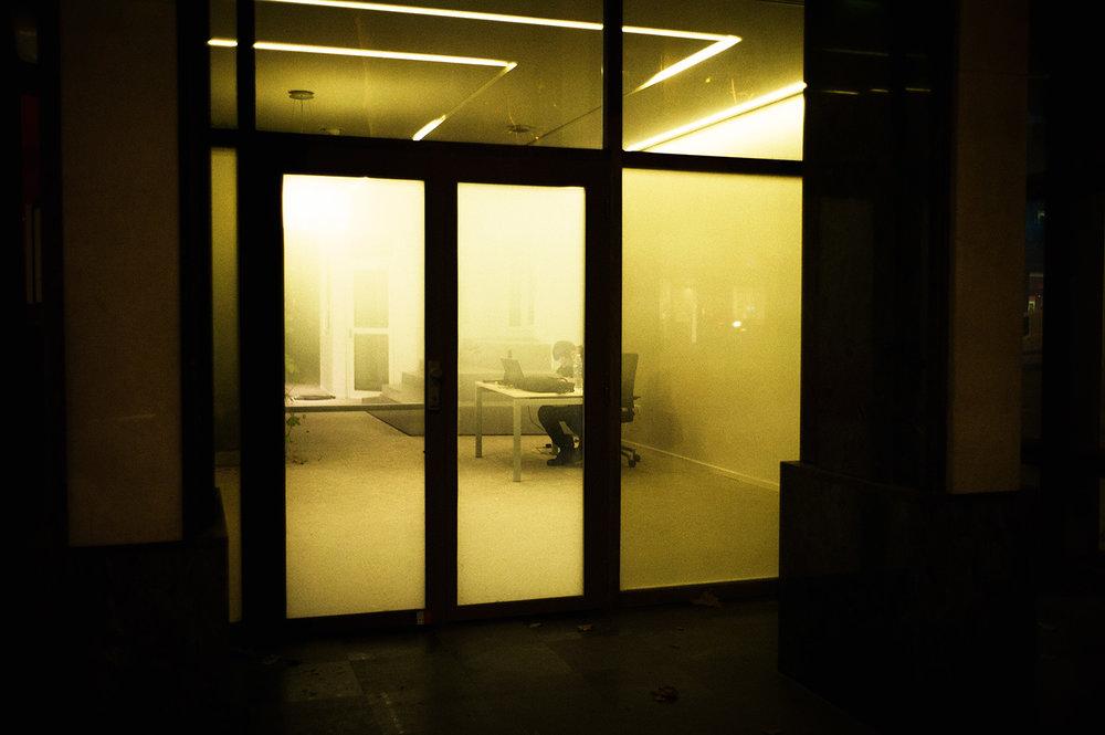 alone-worker.jpg