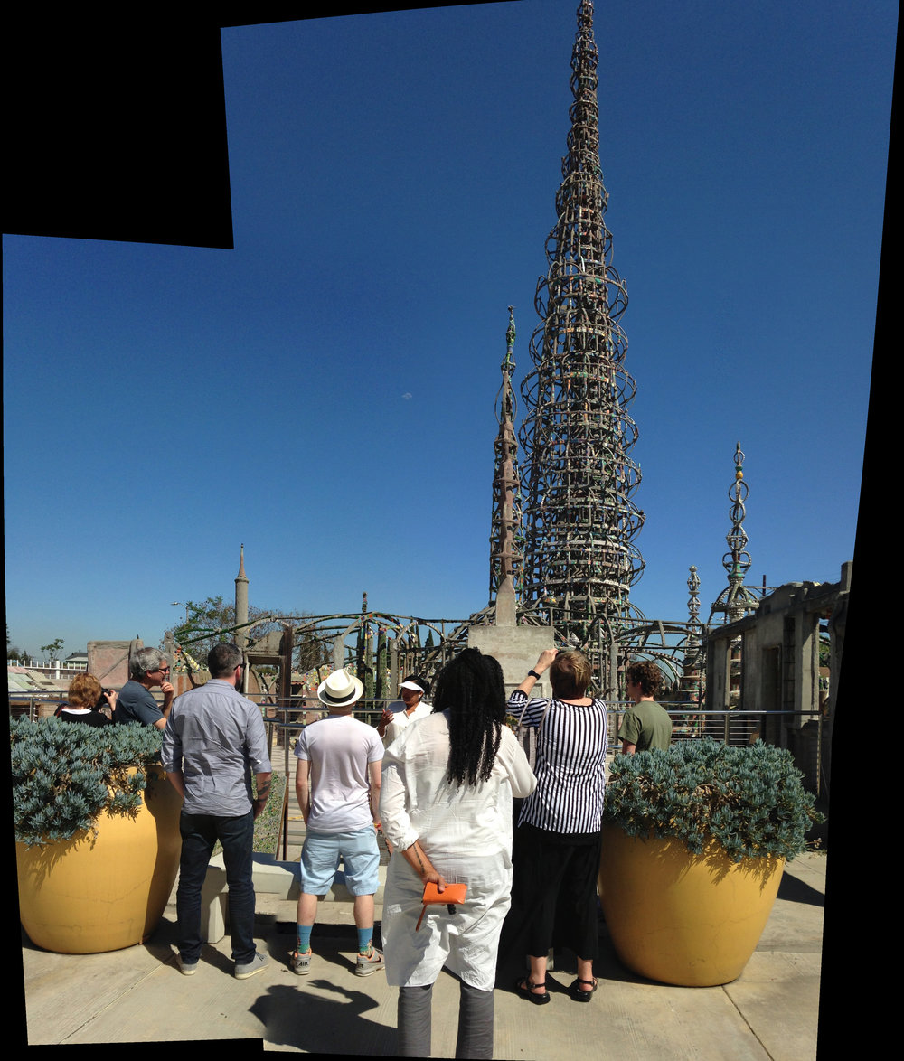 2015_03_28_Watts_Towers_people_Kcymaerxthaere_pano_03.jpg