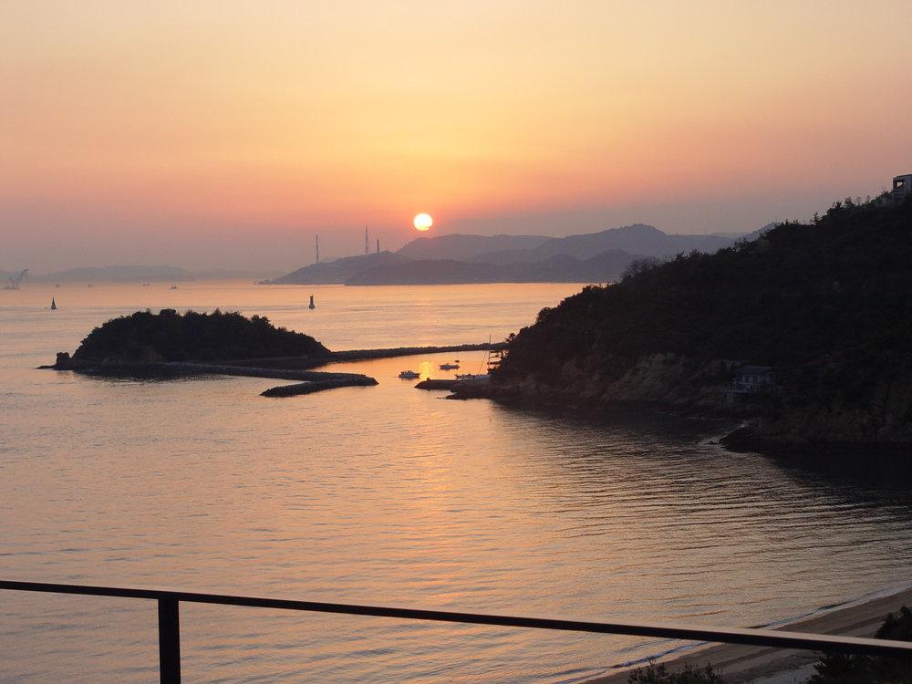 Inland sea Benesse view.jpg