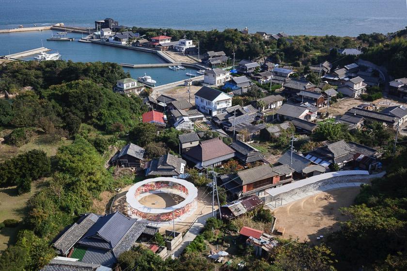 Inujima harbor.jpg