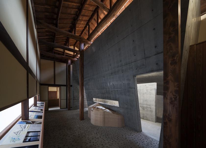 Naoshima Ando museum interior.jpg