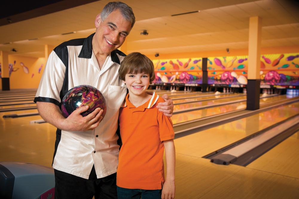 Lifestyle Portrait - Family Bowling