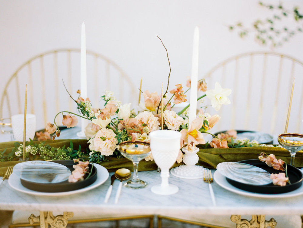 peach and white tablescape with modern touches