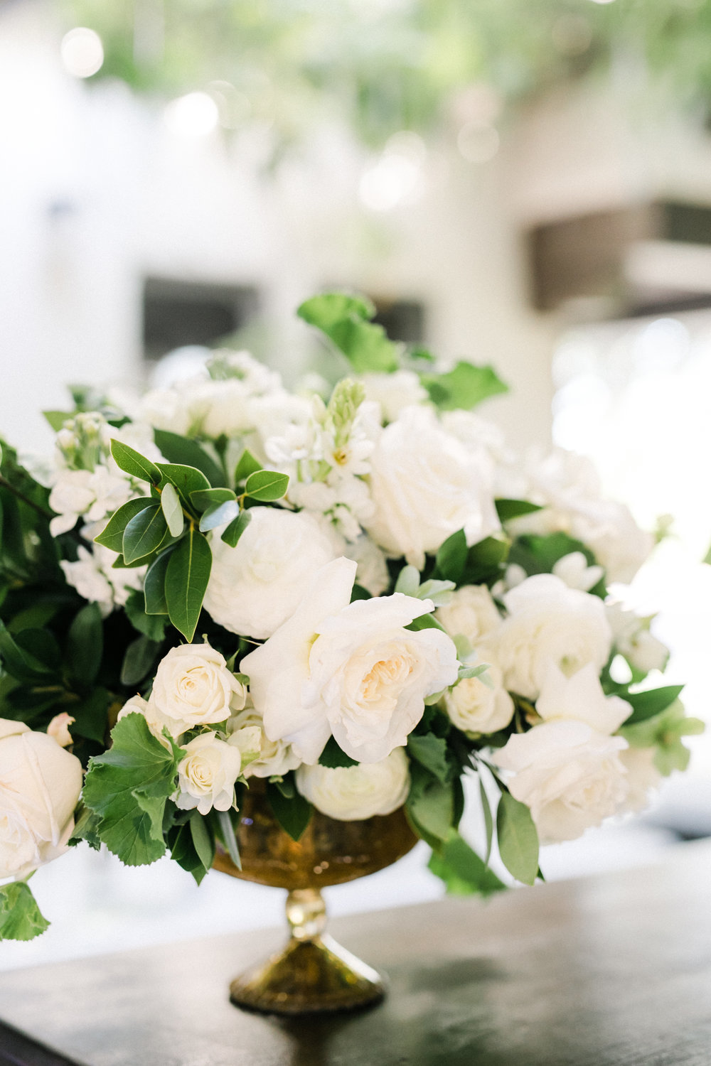 white florals and greenery bar arrangement