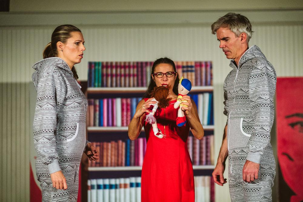 Rachelle Durkin (Céphise), Sarah Wolfson (Zirphile), Ted Schmitz (Achante)