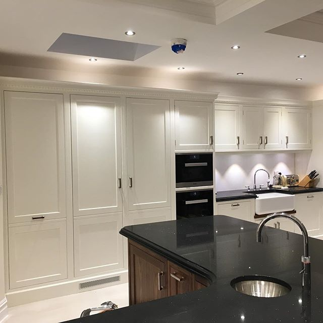 #charlesyorke #handpainted #farrowandball #wimbournewhite #professional #nhrenovations