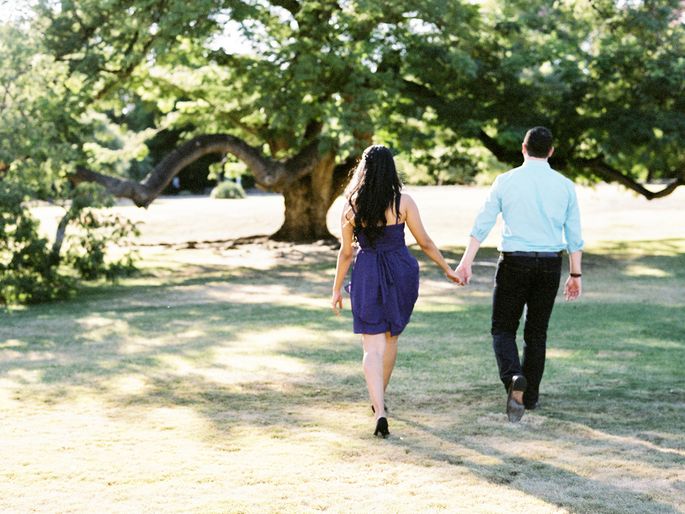 LA-Arboretum-E-Session-Holding-Hands-1.jpg
